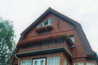 Haus_mit_Holzfassade